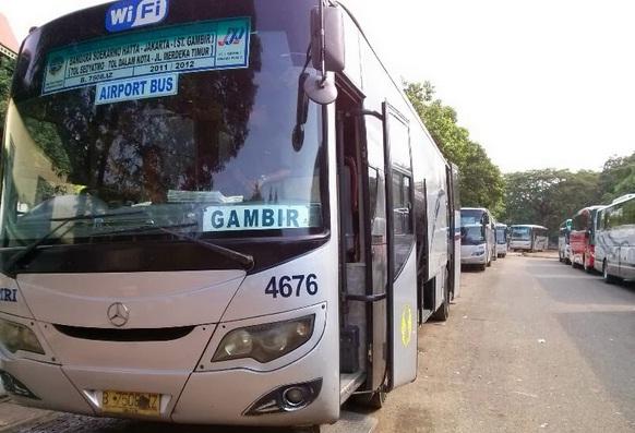 Inilah tarif bis umum damri di bandara soekarno hatta dan rute bis damri